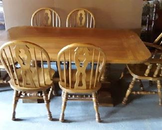 Heavy Trestle Table, 6 Chairs, 2 Leaves, pads