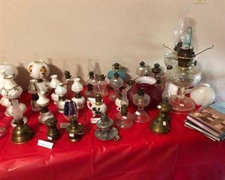Miniature kerosene lamps