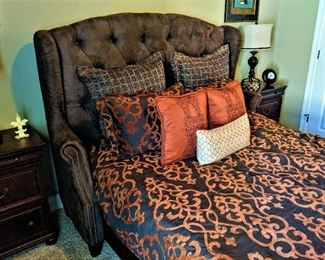 queen size tufted bed