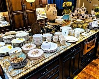 dishes, dinnerware set, plates