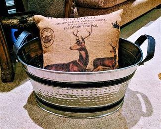 ice bucket deer pillow