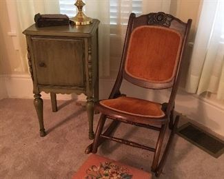 """Antique Folding Rocking Chair Beautiful condition! Measures 31"""" tall to back x 15"""" tall to seat x 18"""" wide x 28"""" deep."""