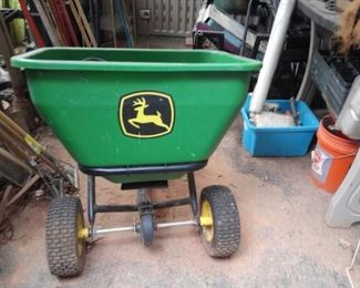 John Deere Seeder/ Feeder