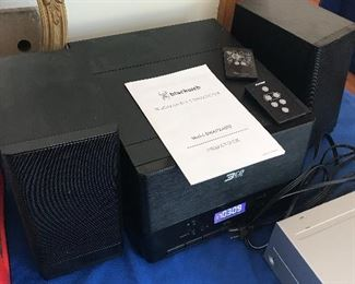 Bluetooth 3-CD Stereo System