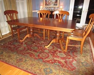 Nichols & Stone Dining Table with 6 Side Chairs and 2 Arm Chairs (rug not available)