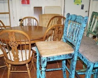 dining table with 2 leaves 6 chairs, bar stools