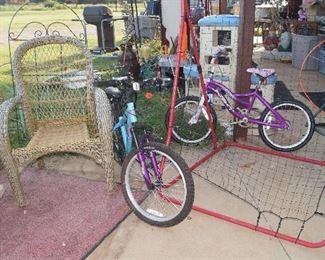 bikes, pitch back, wicker chair