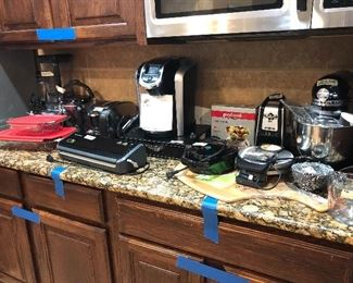kitchen aid mixer w/ attachments- Keurig w/ storage stand ,ninja professional system ,  pyrex -++more