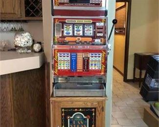 Lot 002  Universal Dist. of Nevada Slot Machine