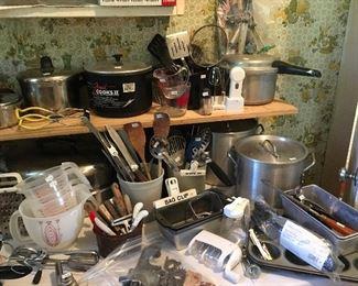 Kitchen Utensils & Aluminum Cooking Pots