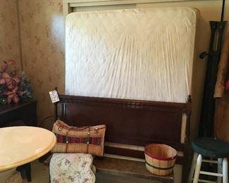 Vintage Bench & Quilt