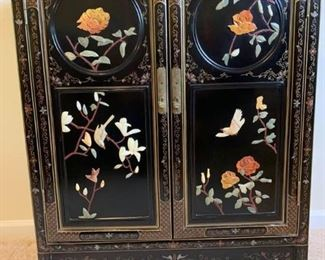 Asian hand painted and 3 dimensional decorative cabinet      https://ctbids.com/#!/description/share/232071