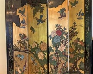 Gorgeous room divider / screen https://ctbids.com/#!/description/share/232073