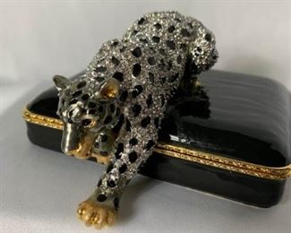 Jay Strongwater Leopard Trinket Box https://ctbids.com/#!/description/share/232085