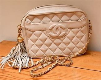 4. Very Fine Womens Genuine CHANEL Quilted White Leather HandbagPurse