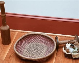 8. Small Lot Country Style Decorator Items