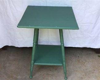 Vintage Table https://ctbids.com/#!/description/share/231977