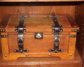 Small Decorative Box/Trunk