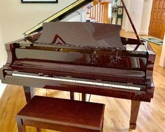 2015 Essex Baby Grand Piano designed by Steinway & Sons ( player system included).