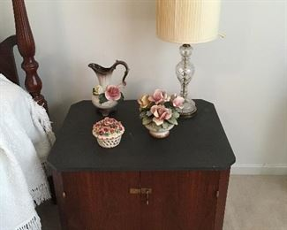 Pair of Nightstands, Lamp ,Capodimonte Porcelain Flowers.