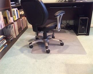 Desks with rolling chair