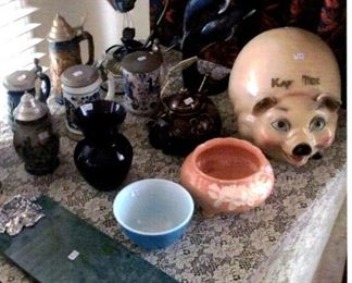 1959 Kay Tee Piggy Bank; variety of beer steins; small blue Pyrex bowl, etc.