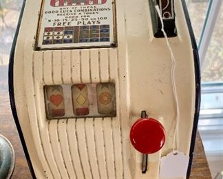 The coolest table top vintage slot machine!