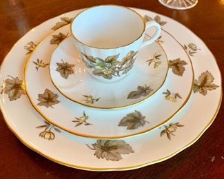 "Beautiful Royal Worcester ""Dorchester"" 59 piece China set"