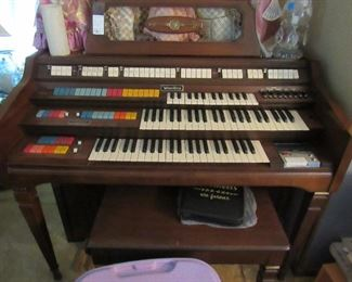 Whirlitzer home organ