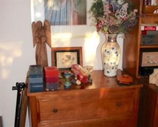 3 Drawer Dresser with Decorative Items