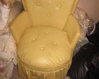 Adorable Vintage Chair