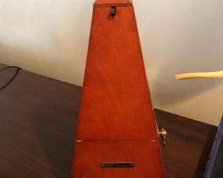 Vintage Set Thomas Wind UP Metronome De Maelzel