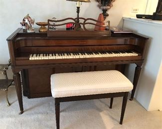 upright piano Needs tuning BUY IT NOW $100 must be moved on Saturday