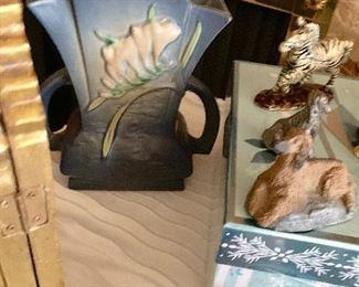 Roseville Fresia vase