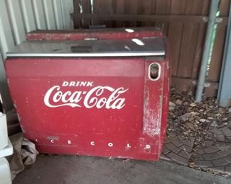 Vintage coca cola box, looks to be intact