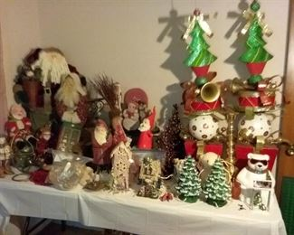 Tablefulls of Holiday, vintage and new!