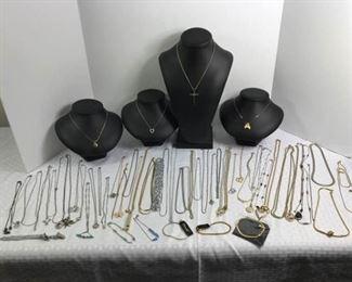 Assorted costume necklaces https://ctbids.com/#!/description/share/233713