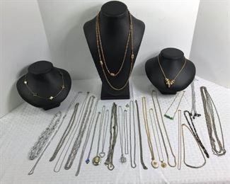 Costume necklaces https://ctbids.com/#!/description/share/233714