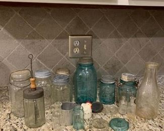 Assortment of jars and all the glassware and miscellaneous https://ctbids.com/#!/description/share/233746