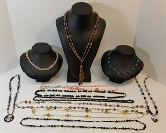 collection of costume jewelry necklaces https://ctbids.com/#!/description/share/233772