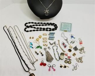 Collection of costume jewelry earrings, necklaces, pendants and more https://ctbids.com/#!/description/share/233775
