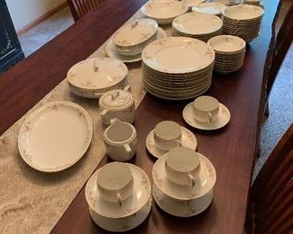 """Set of dishes """"Patricia"""" Austrian"""