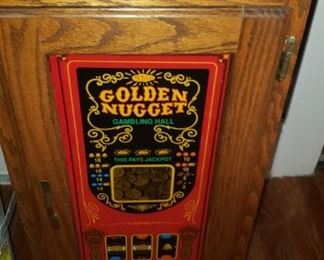 Miles Golden Nugget 25 cent One Armed Bandit with Accent Stand