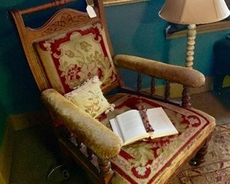 A low Victorian perfect for reading !