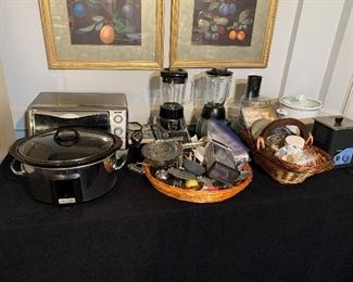 Small kitchen appliances and gadgets
