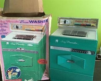 Suzy Homemaker Washer with Original Box!