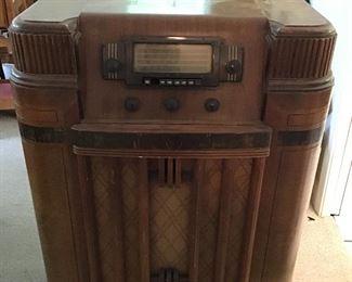 Silver tone  Radio