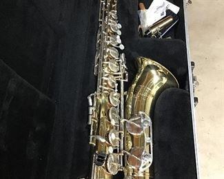 Selmer Bundy II Tenor Saxophone w case