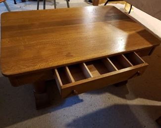 Well made Coffee Table w drawer