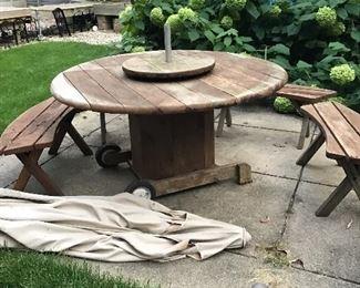 Redwood Table n Chairson wheels.